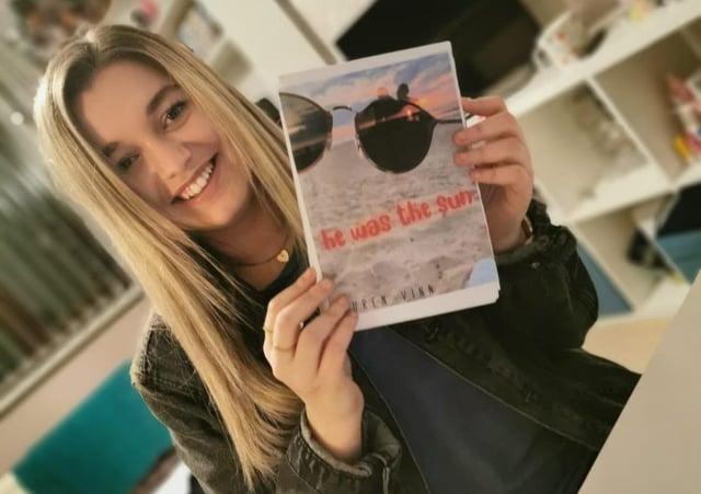 Lauren Vinn and her book