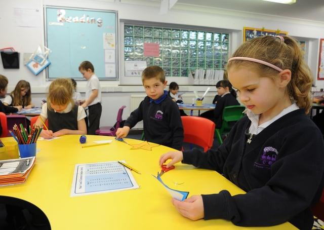 Orton Wistow primary school year 2 pupils back in school after lockdown EMN-211003-135320009