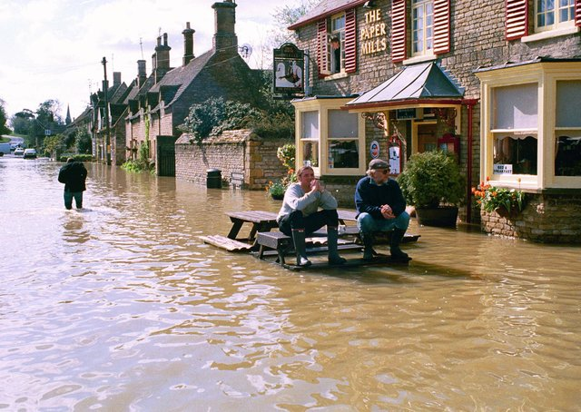 Flooding in Wansford over Easter in 1998.