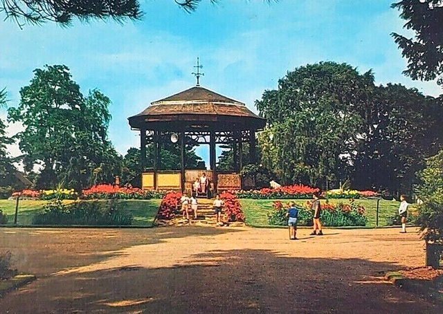Peterborough's Central Park, can you date the picture?