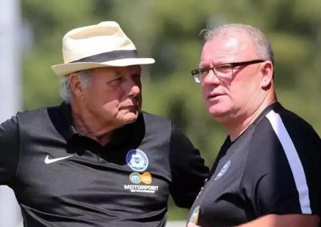 Posh director of football Barry Fry (left) with Gillingham manager Steve Evans.