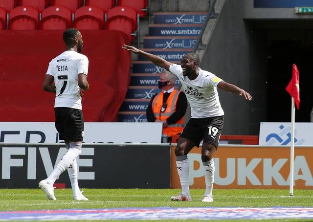 Idris Kanu celebrates his goal against Doncaster. Photo: Joe Dent.