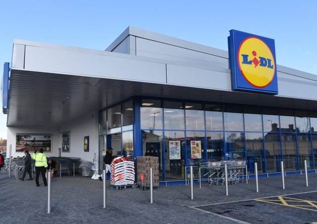 Lidl in Peterborough is recruiting staff.  EMN-210219-114922009