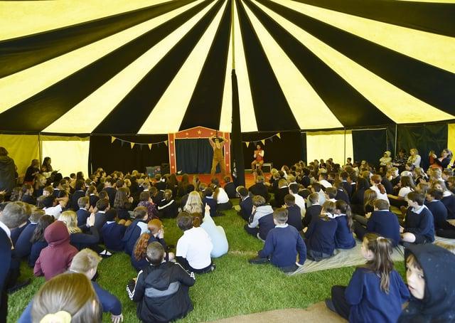 Circus event at Gunthorpe primary school. EMN-210630-161959009