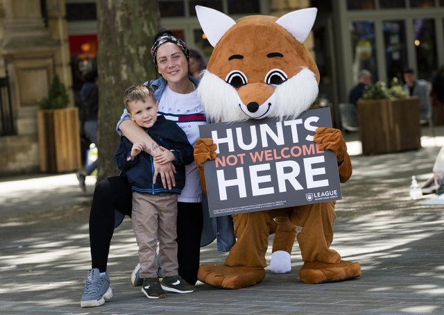 Harry and Lisa Smith with the League's 'fox'